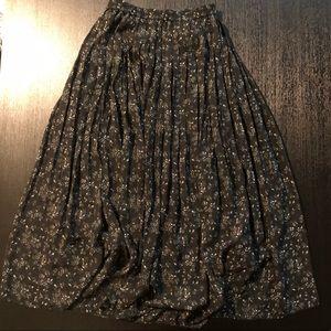 Uniqlo Black Pleated Maxi Skirt